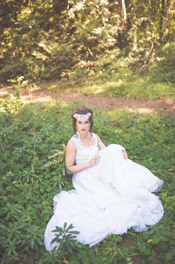 Noonan_NA_Chelsea_Dawn_Photography__Makeup_Artistry_MonicaWhimsicalBridalSessionVancouverIslandChelseaDawnPhotography27_low