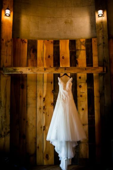 A Rustic Country Romantic Apple Orchard Barn Wedding Indiana 4