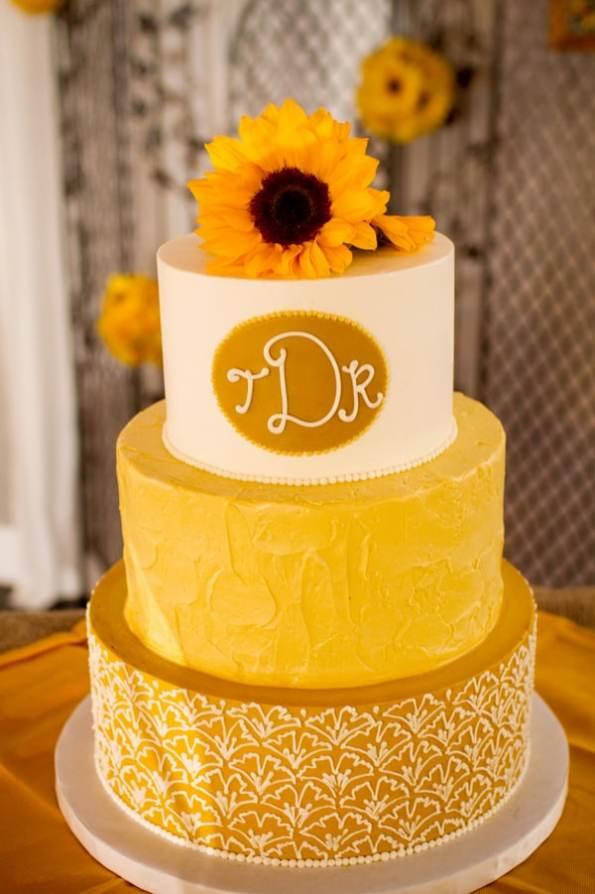 A DIY Rustic Sunflower Wedding (17)