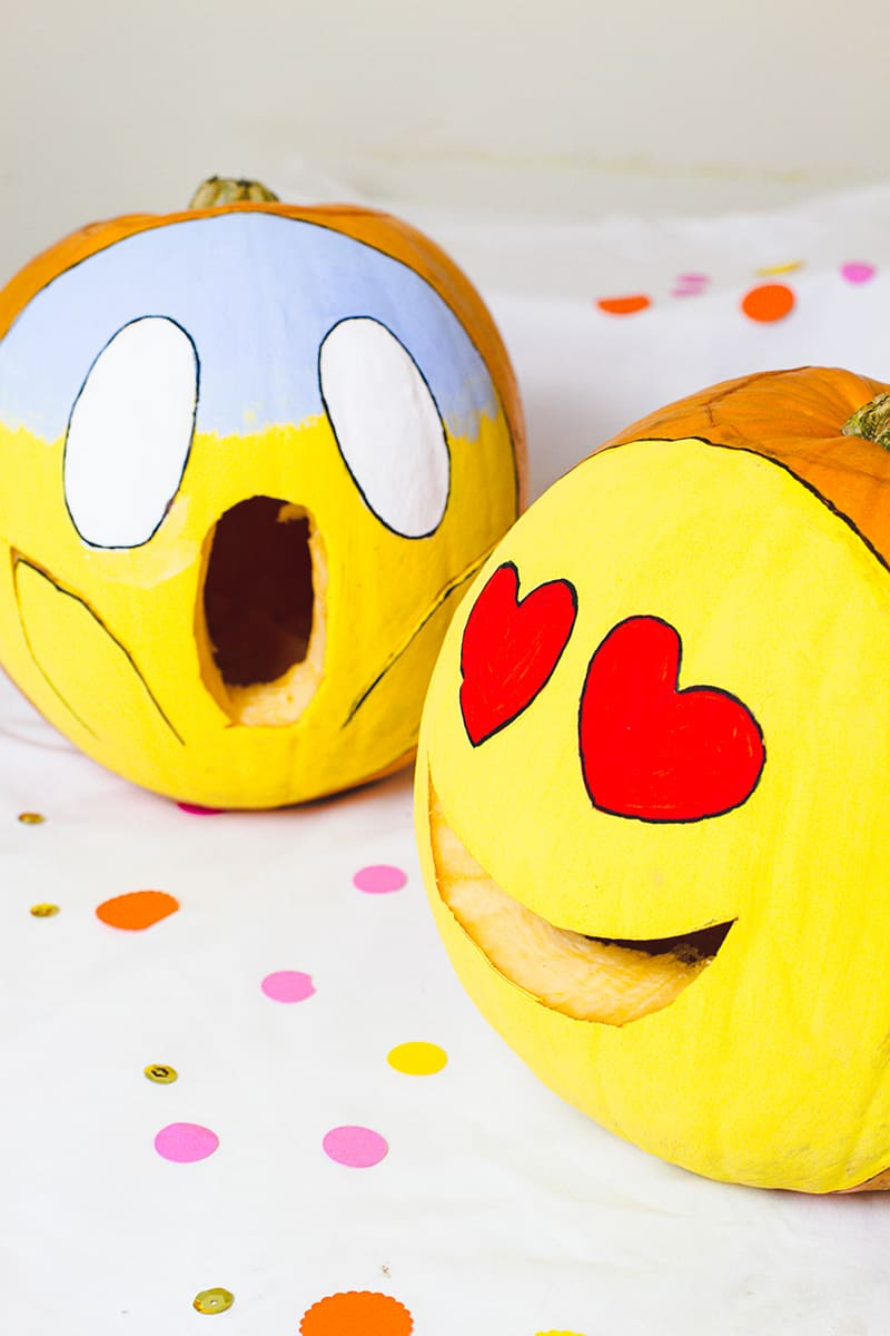 DIY Emoji Pumpkins Halloween Decor Fun Painting Tutorial-5