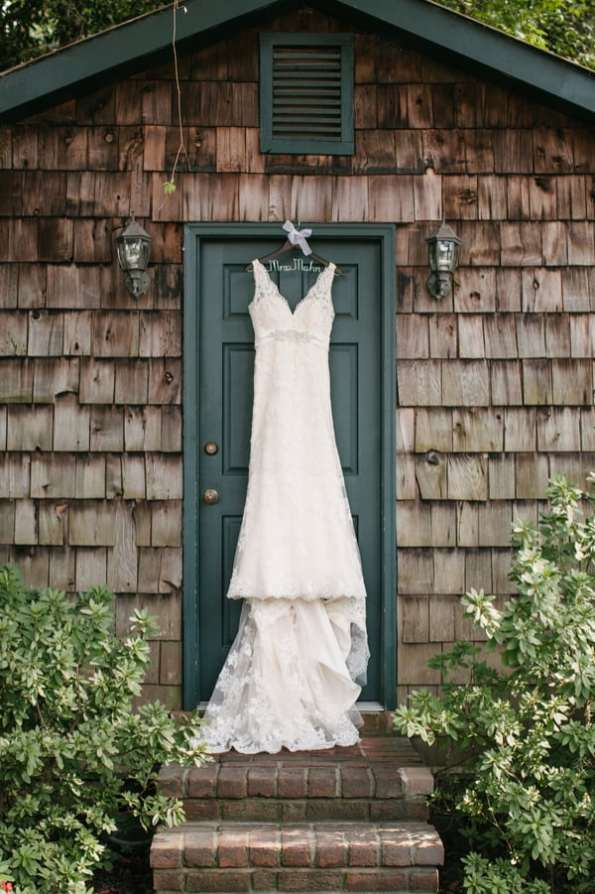 A Carefree & Romantic Rustic Wedding (2)