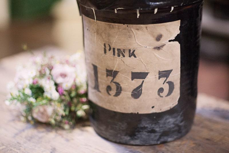 Vintage Weding Inspiration China Roses Styling Flowers-32