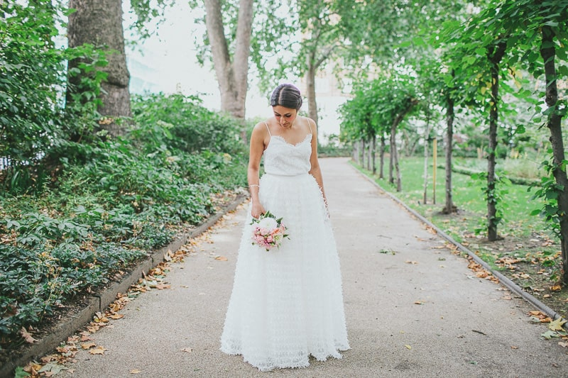 Glamorous two piece wedding gown for a relaxed rooftop wedding in Camden (4)