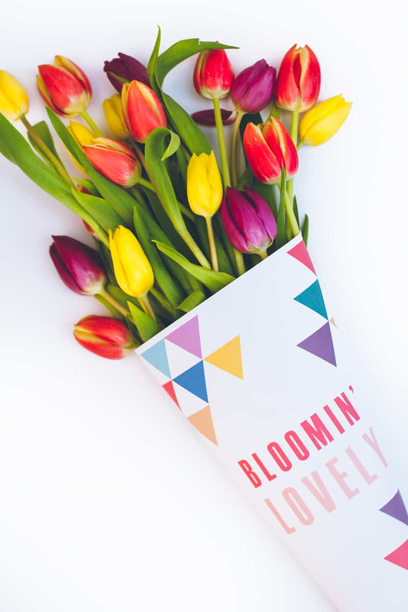 Free Printable Flower Wrapping Bloomin Lovely Wrap Geometric Tulips_-1