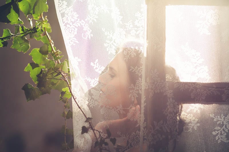 INDUSTRIAL BOHEMIAN STYLED SHOOT IN AN ABANDONED WAREHOUSE (5)