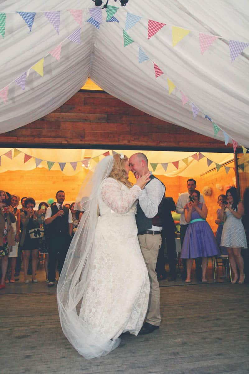TRAVEL INSPIRED WOODLAND WEDDING (26)