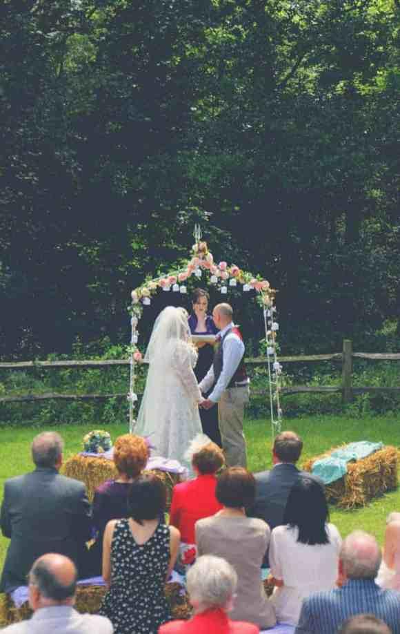 TRAVEL INSPIRED WOODLAND WEDDING (5)
