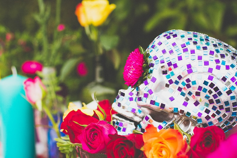 14 DIY Mosaic Skull Mexican Wedding Inspiration Tutorial Dia de los muertos