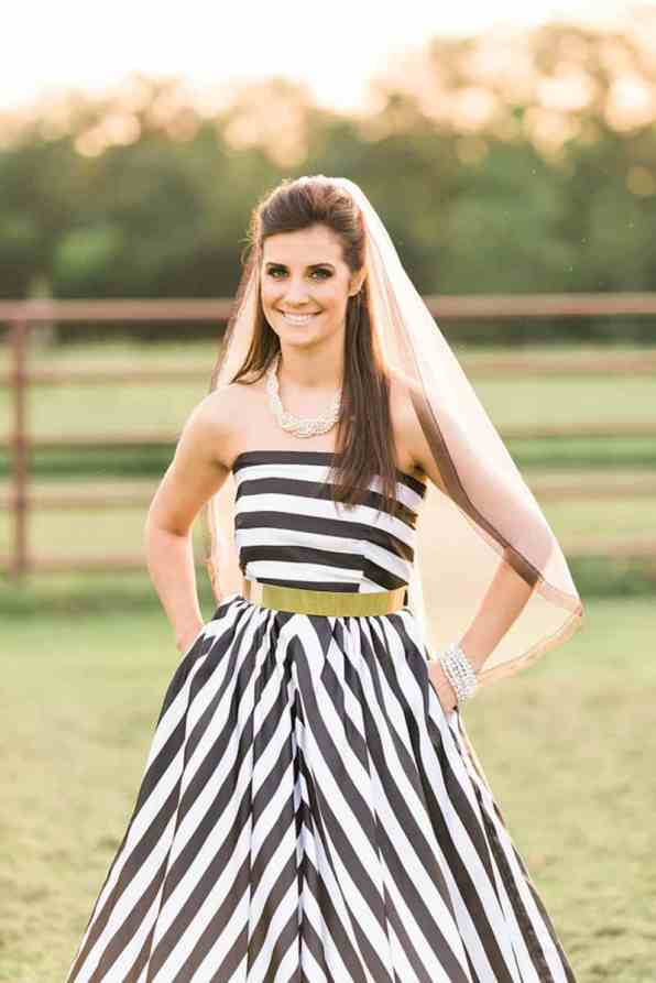 KATE SPADE INSPIRED WEDDING WITH A BLACK AND WHITE STIPE BRIDAL GOWN (20)