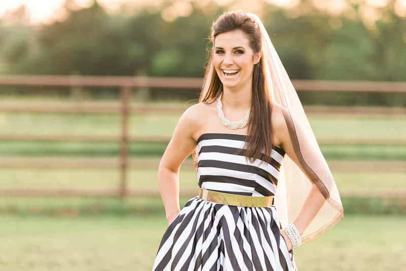 KATE SPADE INSPIRED WEDDING WITH A BLACK AND WHITE STIPE BRIDAL GOWN (21)