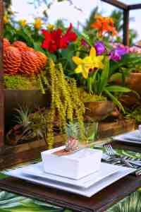 HOW TO TROPICAL TABLE DECOR | Bespoke-Bride: Wedding Blog