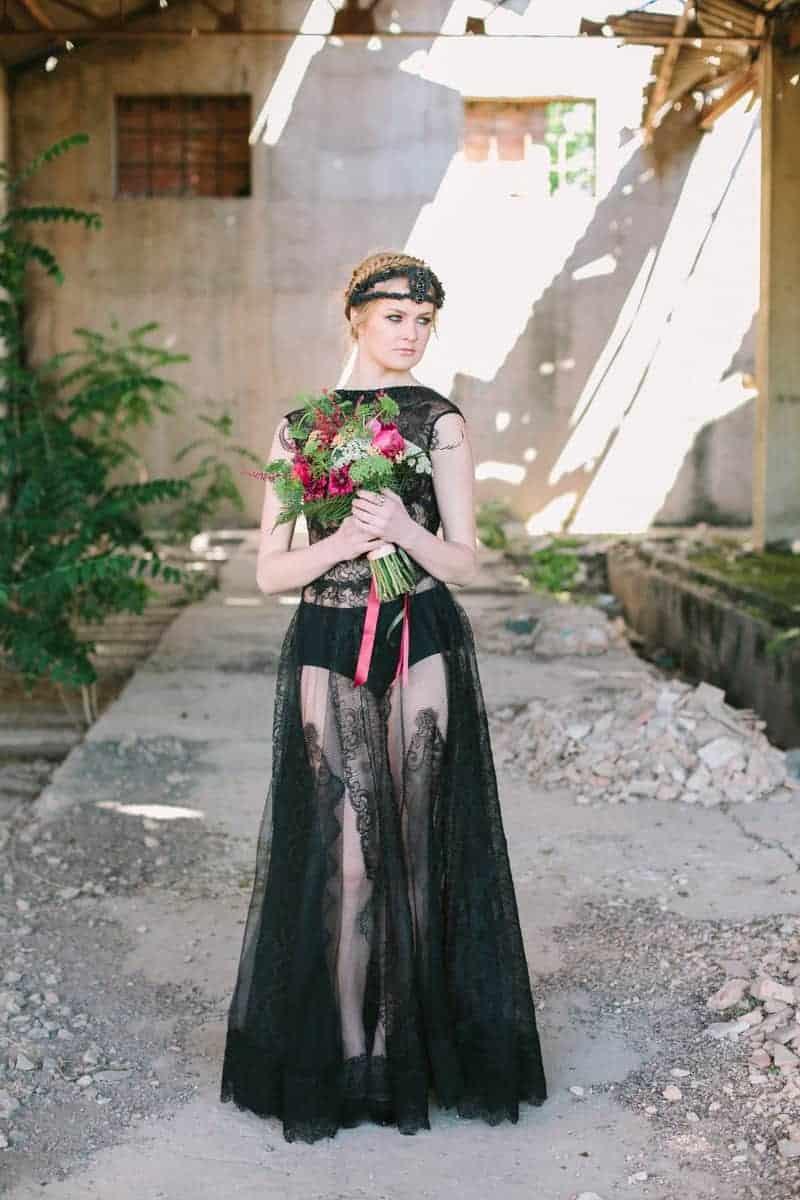 Wedding in Black for Halloween (1)