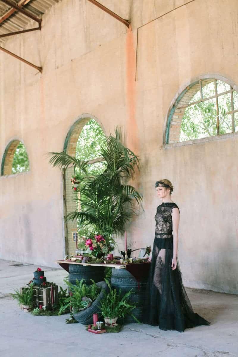 Wedding in Black for Halloween (19)