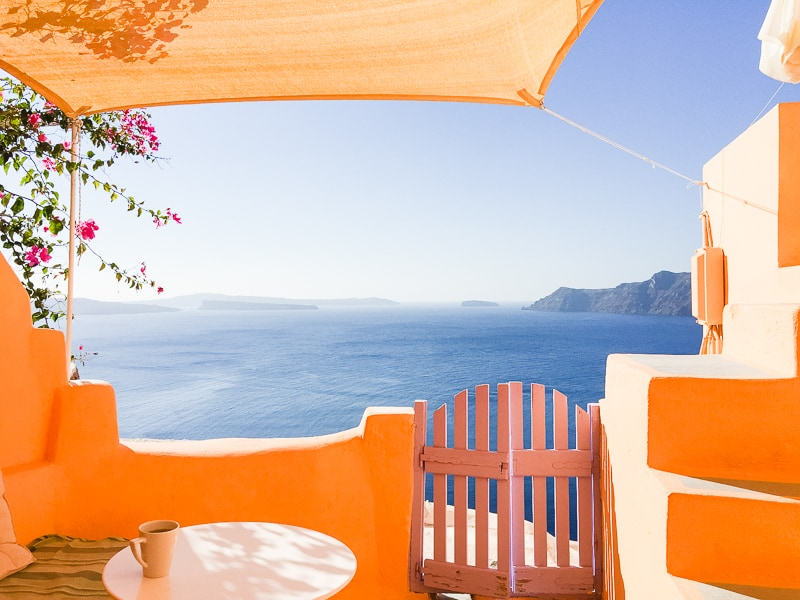 Santorini Oia Travel Guide Reccomendations Honeymoon Colourful Place Greece_-11