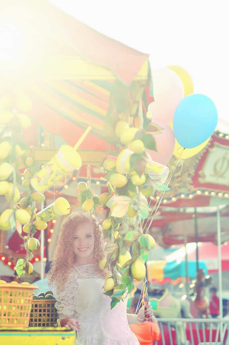 Colourful retro carnival wedding styled shoot (2)