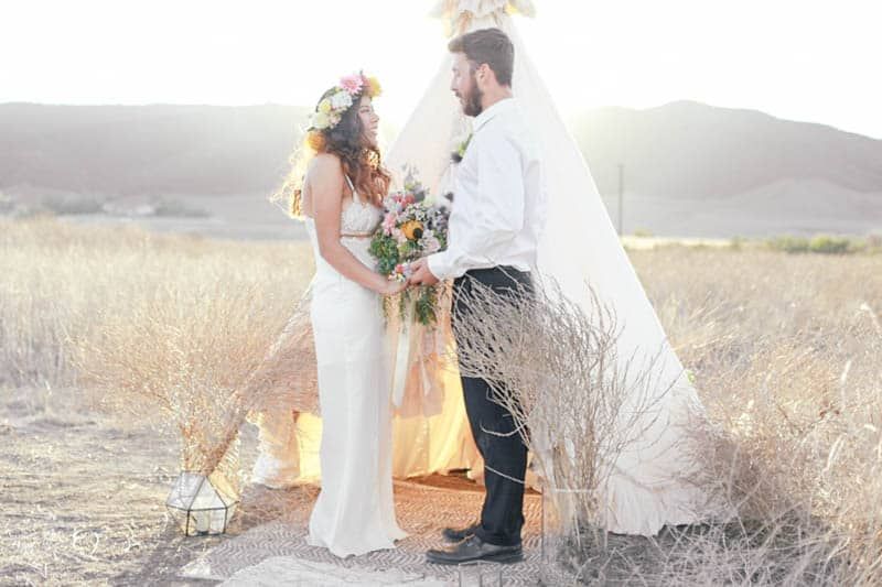 WHY ELOPING IS BETTER THAN A WEDDING - STYLED INTIMATE BOHEMIAN ELOPEMENT (14)