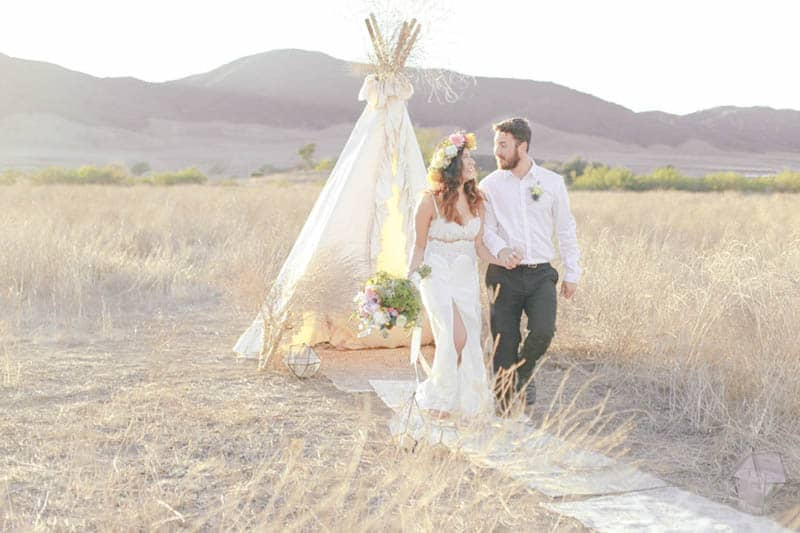 WHY ELOPING IS BETTER THAN A WEDDING - STYLED INTIMATE BOHEMIAN ELOPEMENT (17)