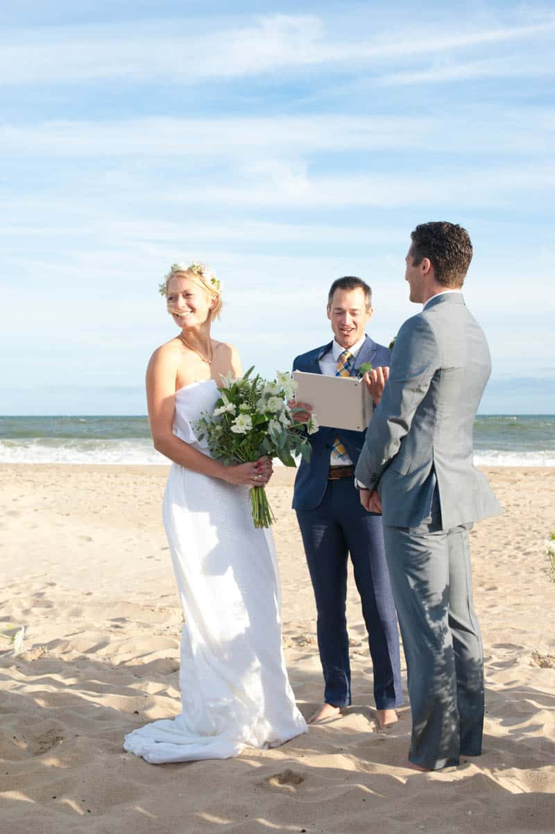 INTIMATE SWEDISH INSPIRED BEACH WEDDING AT A NON TRADITIONAL WEDDING VENUE RS (7)