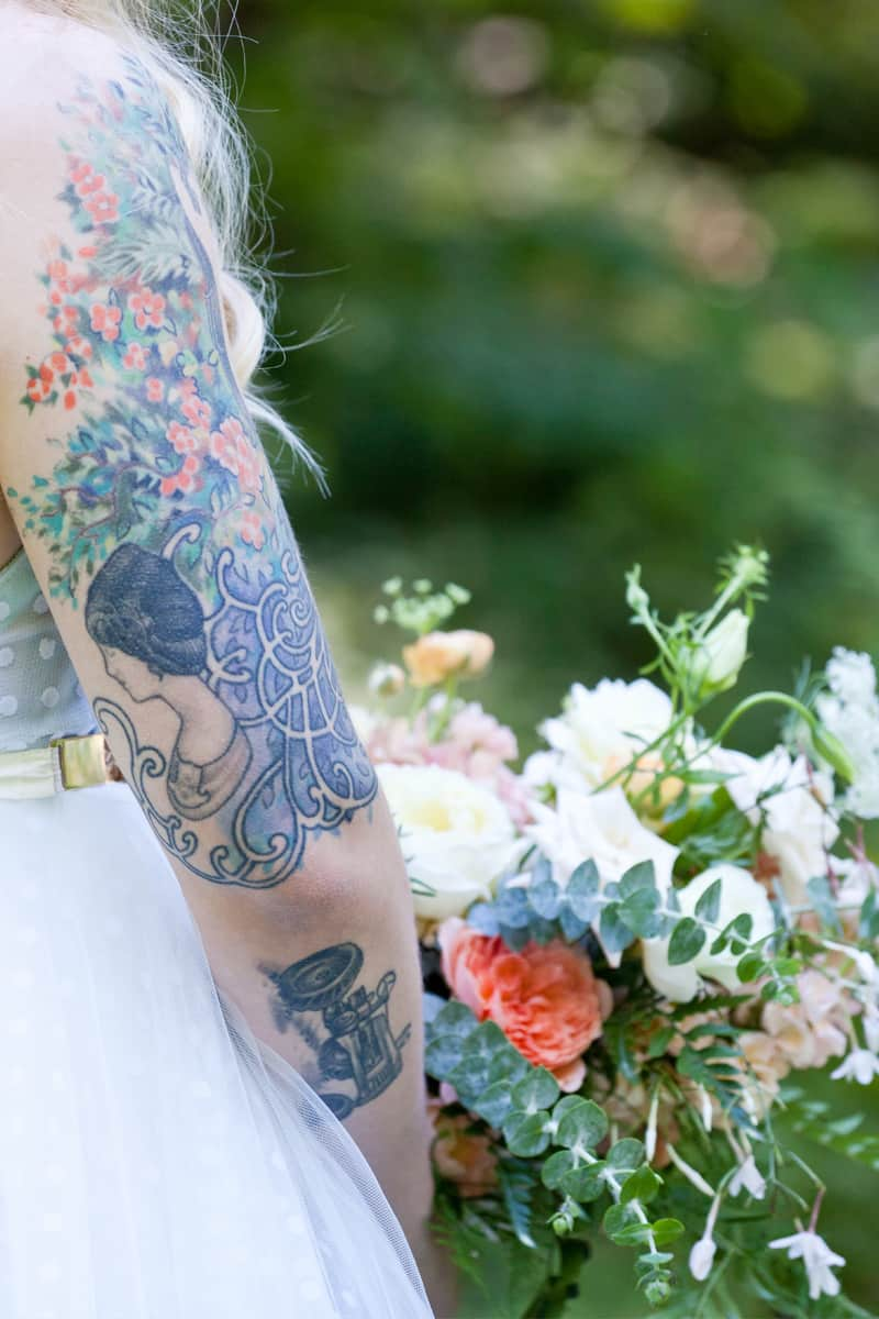 A WHIMSICAL OUTDOOR WEDDING IN PORTLAND FEATUIRNG CATS COLOURS & POLKA DOTS (26)