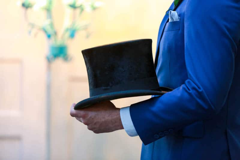 MODERN ALICE IN WONDERLAND THEMED WEDDING (5)