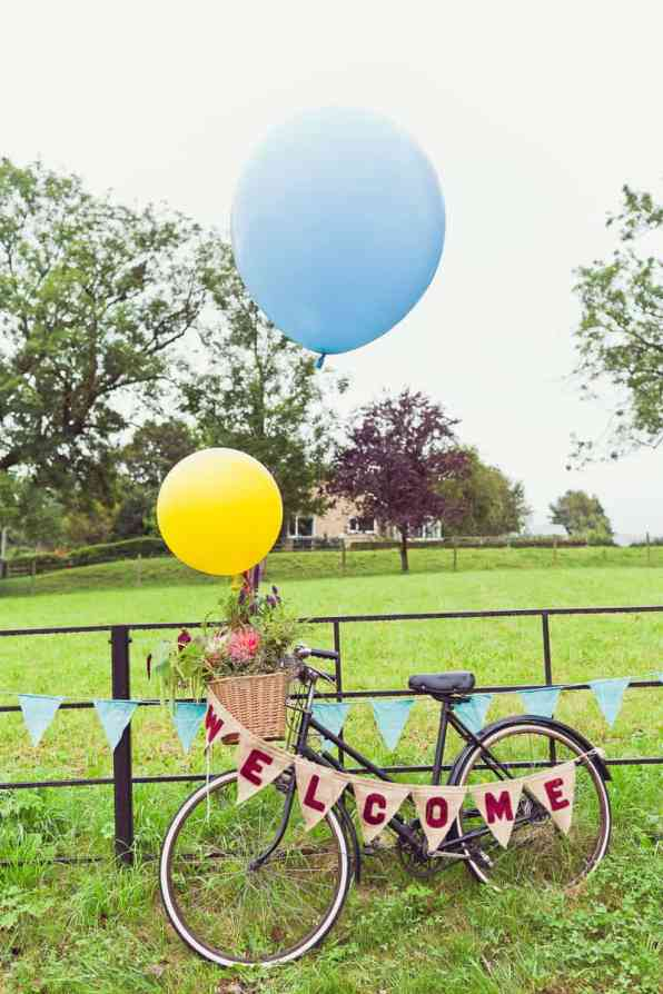 THIS CUTE DIY WEDDING IN A VILLAGE HALL IS EVERY CRAFTER'S DREAM! (2)