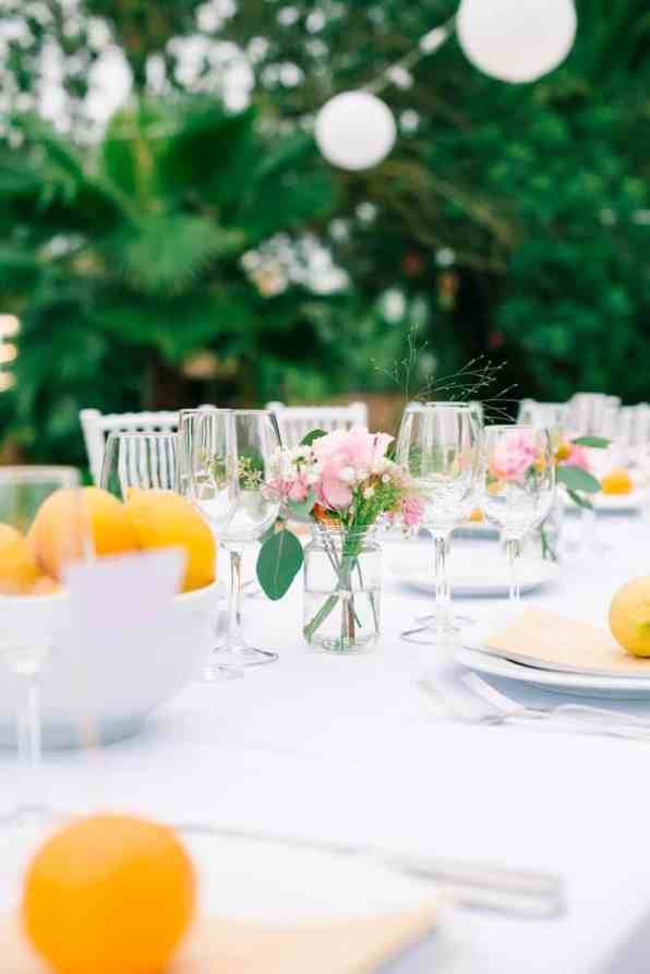 HOW TO PLAN YOUR WEDDING WHEN YOU LIVE LONG DISTANCE. A CITRUS THEMED WEDDING IN THE IBIZIAN COUNTRYSIDE (17)