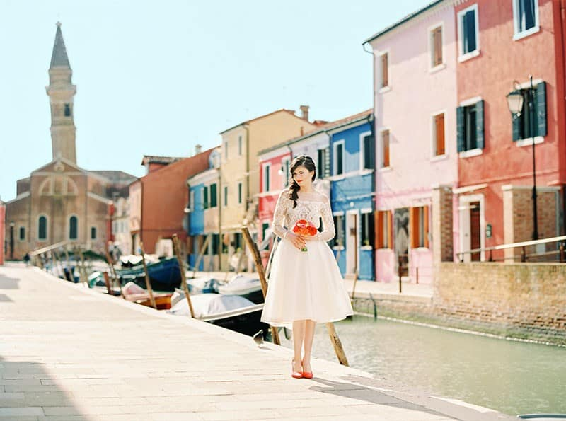 COLOURFUL WEDDING INSPIRATION IN BURANO, ITALY (1)