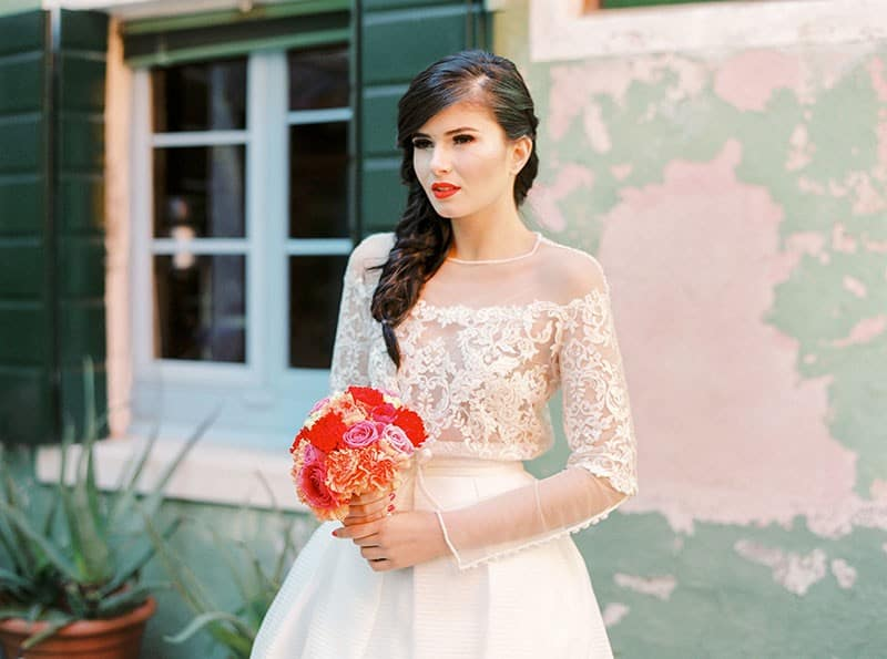 COLOURFUL WEDDING INSPIRATION IN BURANO, ITALY (15)