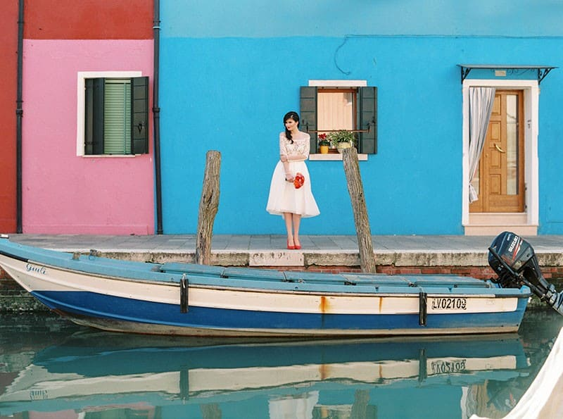 COLOURFUL WEDDING INSPIRATION IN BURANO, ITALY (17)
