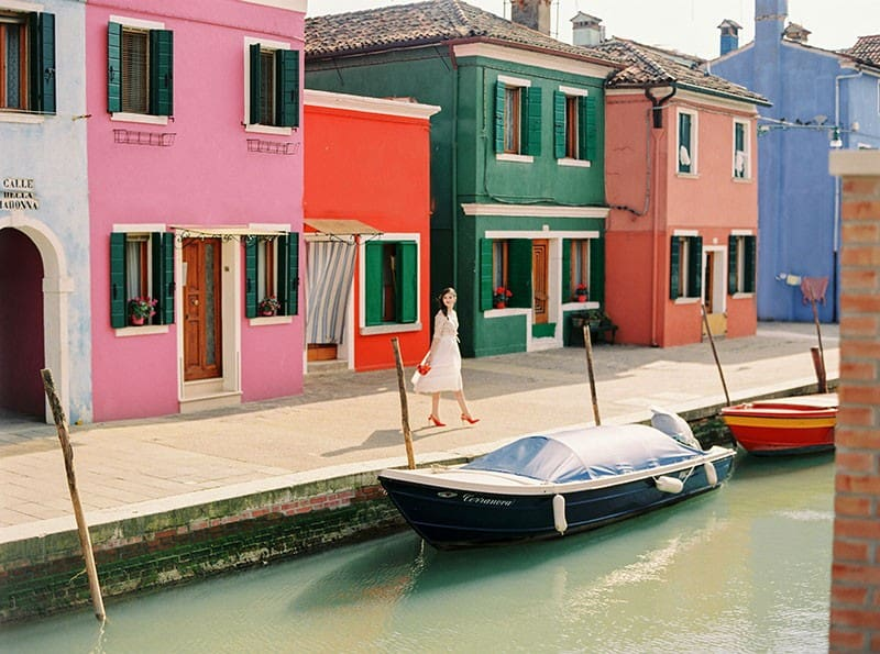 COLOURFUL WEDDING INSPIRATION IN BURANO, ITALY (2)