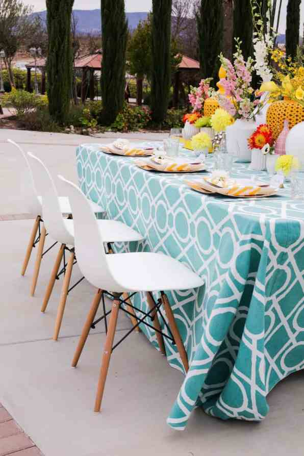 HOW TO USE MID CENTURY MODERN PIECES TO CREATE A MAD MEN INSPIRED WEDDING (5)