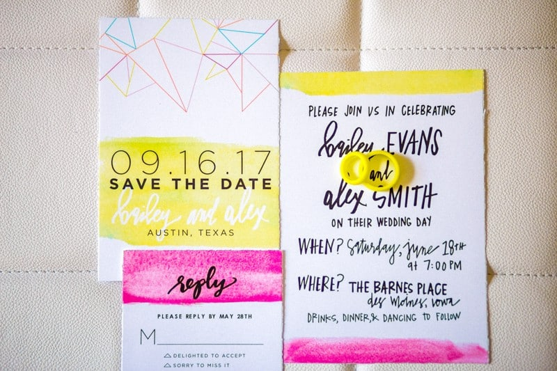 THE CLASSY WAY TO DO NEON AT YOUR WEDDING (15)