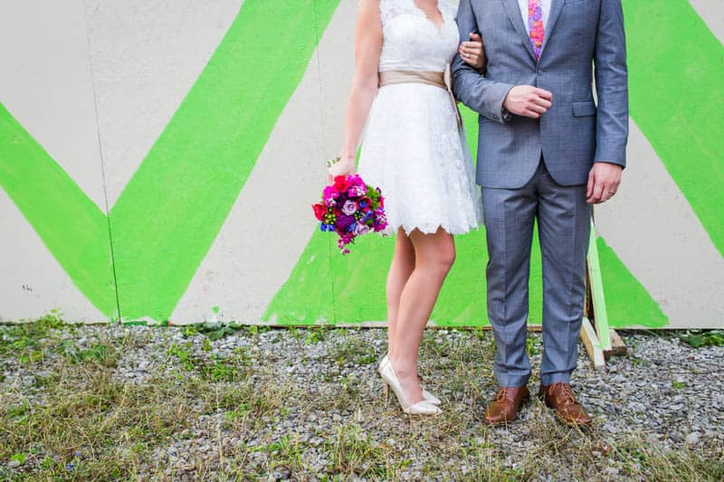 HANDMADE COLORFUL INTIMATE WEDDING IN A COFFEE SHOP (18)