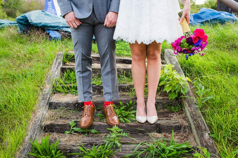 HANDMADE COLORFUL INTIMATE WEDDING IN A COFFEE SHOP (2)