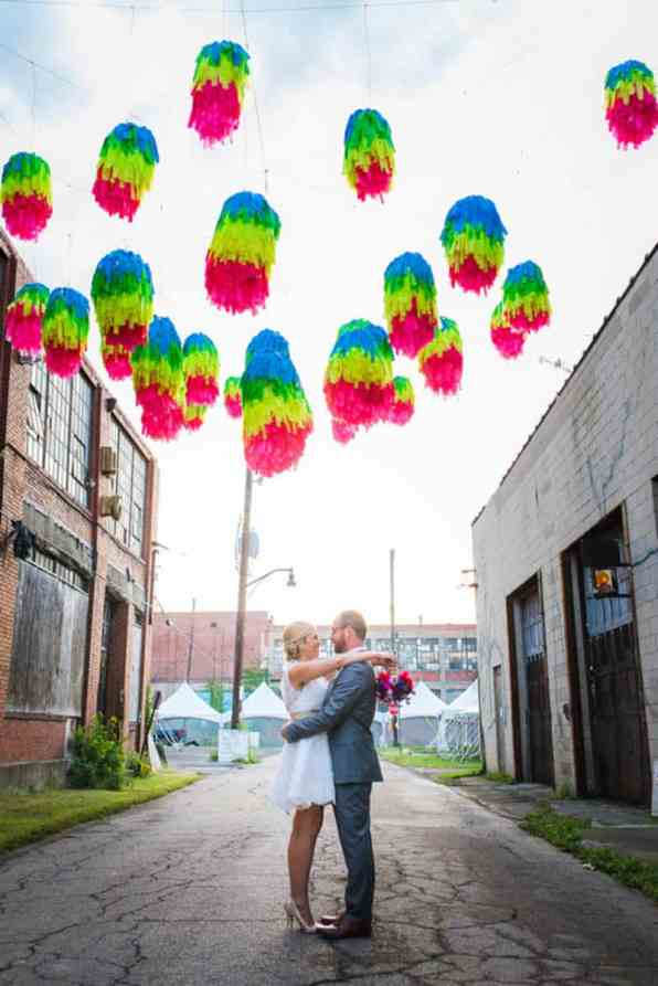 HANDMADE COLORFUL INTIMATE WEDDING IN A COFFEE SHOP (5)