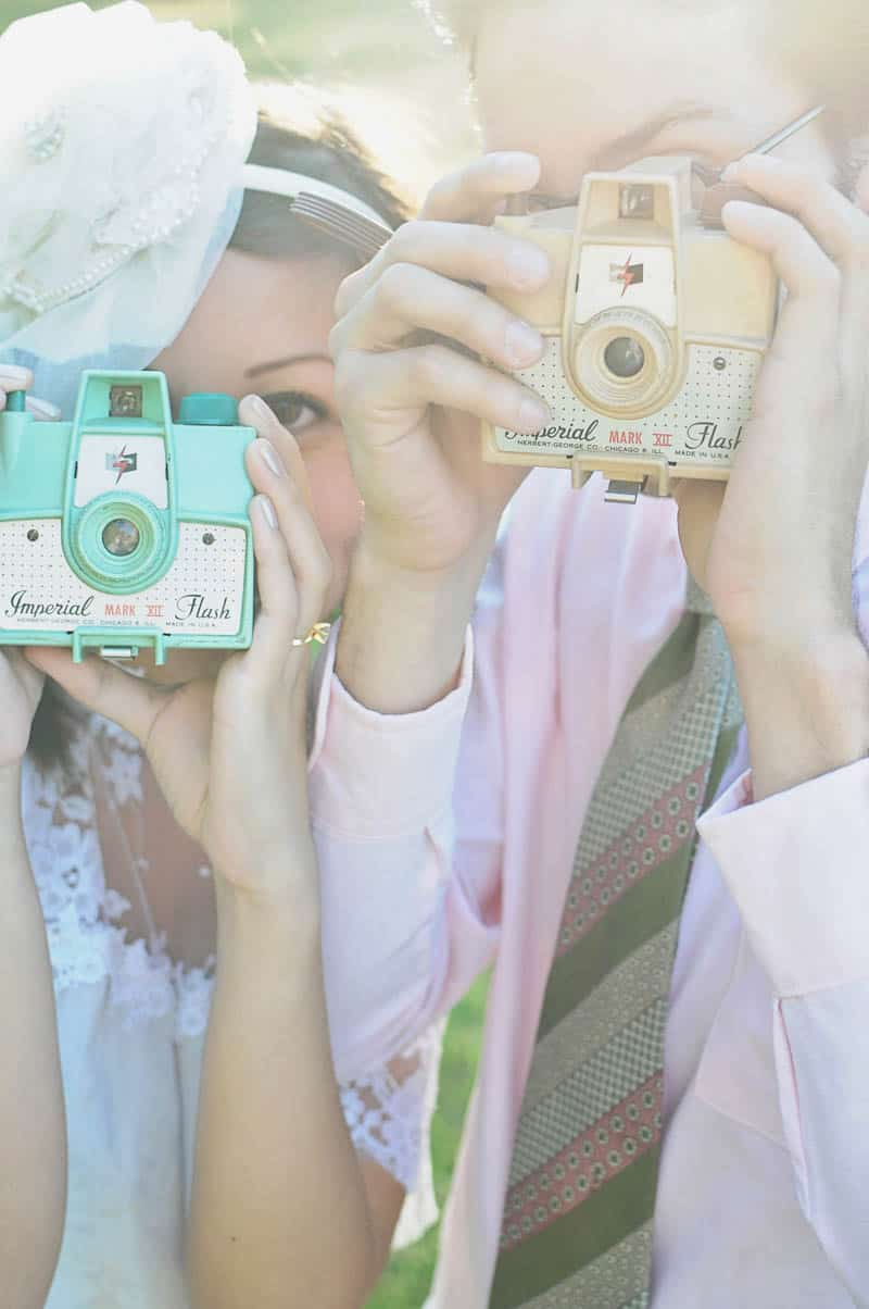HOW TO INVOLVE YOUR GROOM IN THE WEDDING PLANNING-SWEET RETRO PICNIC ELOPEMENT (5)