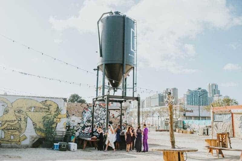 MODERN GATSBY GOES TO COACHELLA WEDDING WITH STARWARS (30)