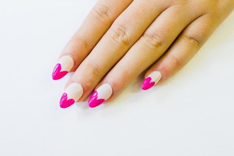 DIY Heart Manicure Pink Nail Design Cute valentines love flirty fun heart shaped nail art-3