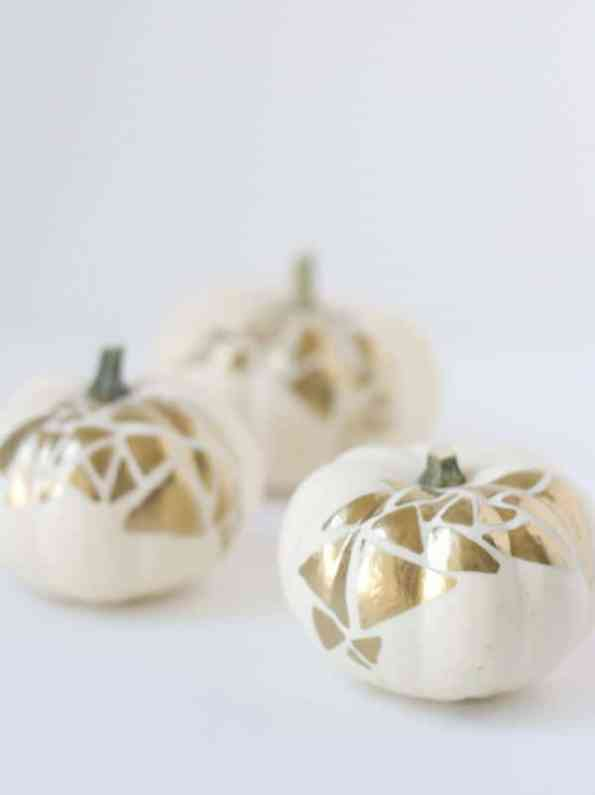 diy-no-carve-gold-geometric-pumpkin-decoration-for-halloween-2