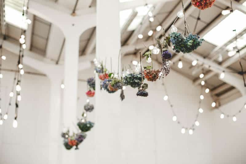 edgy-minimalistic-wedding-in-a-birmingham-art-gallery-12
