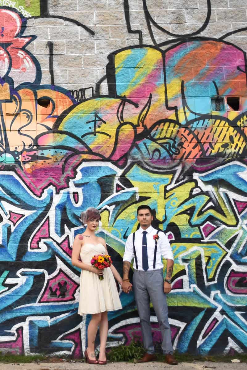 rock-roll-elopement-with-chicagos-colorful-wall-murals-13