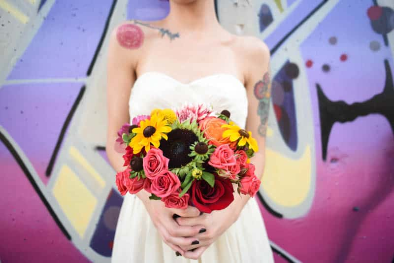 rock-roll-elopement-with-chicagos-colorful-wall-murals-21