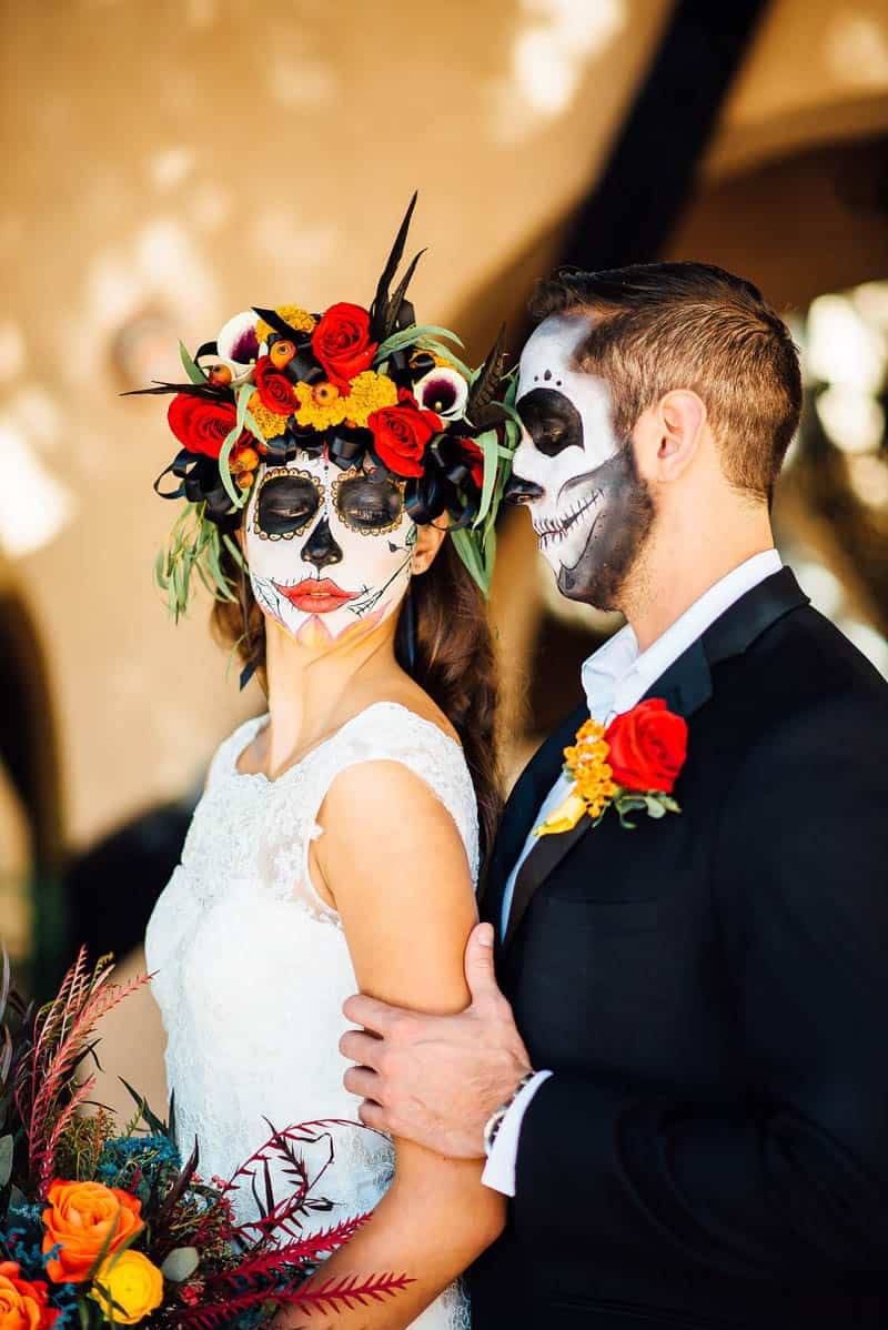 DAY-OF-THE-DEAD-HALLOWEEN-WEDDING-IDEAS-32.jpg