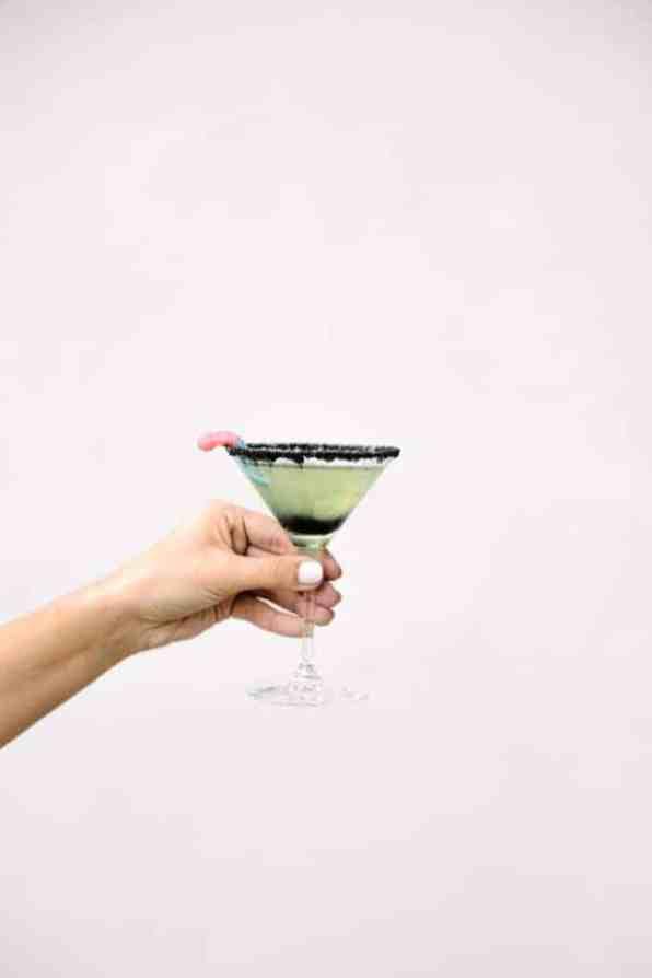 oogie-boogie-halloween-cocktail