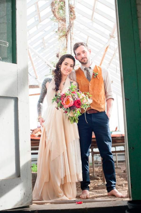 intimate-summer-greenhouse-wedding-1