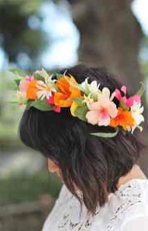 best-paper-flower-tutorials-for-your-wedding-diy-paper-flower-crown-bespoke-bride-wedding-blog