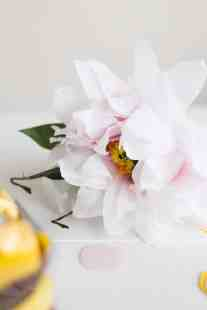best-paper-flower-tutorials-for-your-wedding-diy-paper-flower-gift-topper-bespoke-bride-wedding-blog