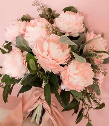50 best paper flower tutorials bespoke bride wedding blog diy paper peony bouquet photo by appetite paper httpruffledblog mightylinksfo