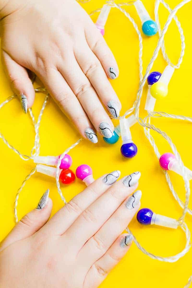 christmas-light-nails-manicure-mani-festive-colourful-xmas-silver_-3