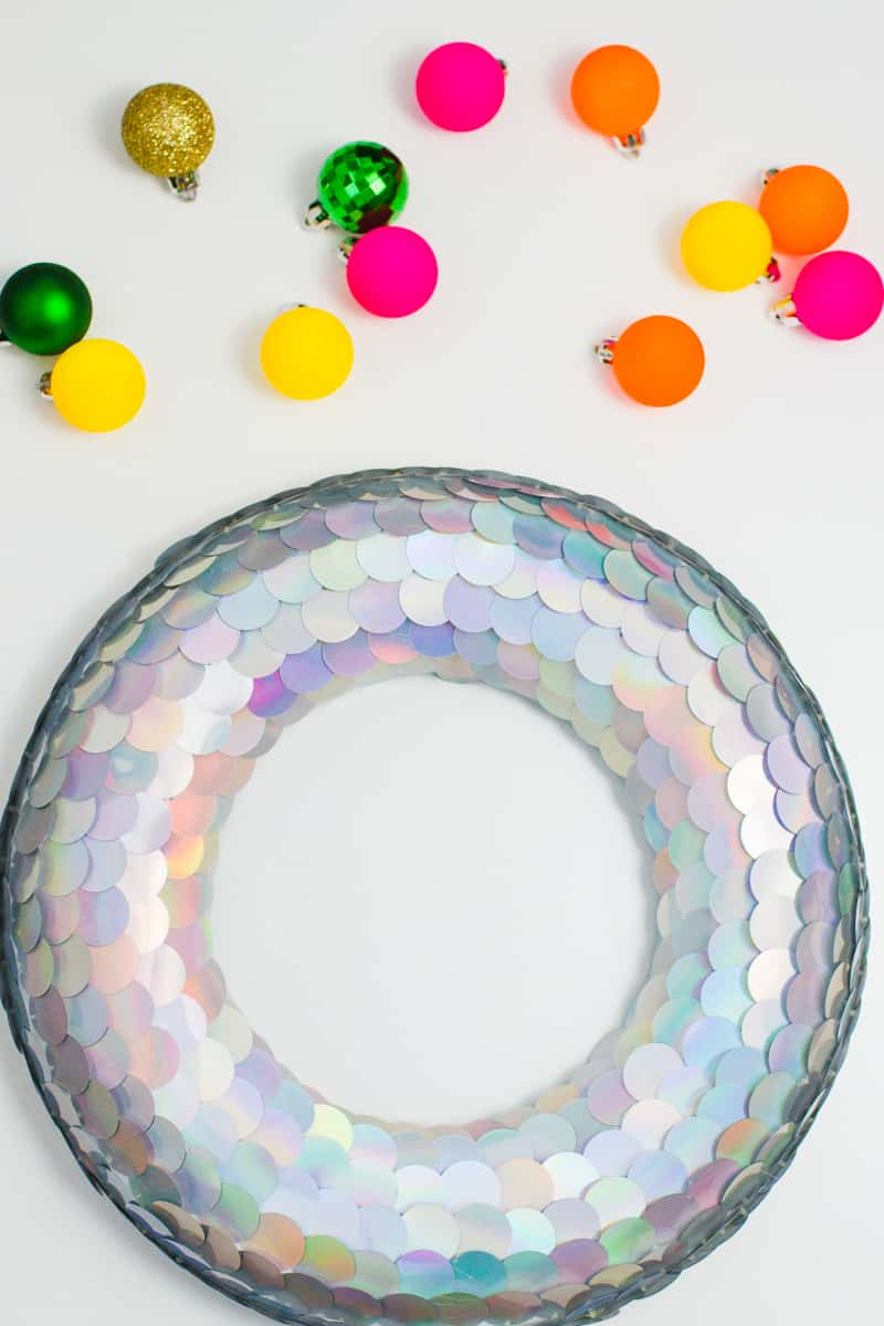diy-sequin-christmas-wreath-unique-wreath-tutorial-mermaid-christmas-decorations-1